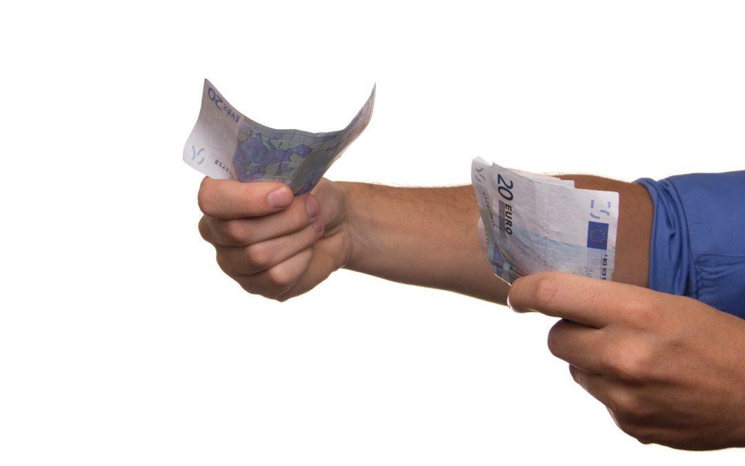 Heeft een werknemer recht op loon wanneer hij verplicht in isolatie of quarantaine moet? De loondoorbetalingsplicht (bij ziekte) uitgelegd.